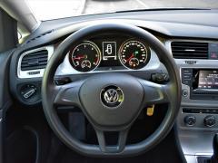 https://autoroyal.es/media/com_expautospro/images/big/turismos_todo_terrenos_y_furgonetas_volkswagen_golf_5f0f20dcb6cca.JPG
