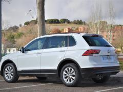 https://autoroyal.es/media/com_expautospro/images/big/turismos_todo_terrenos_y_furgonetas_volkswagen_tiguan_5fd8e4a0288e2.JPG